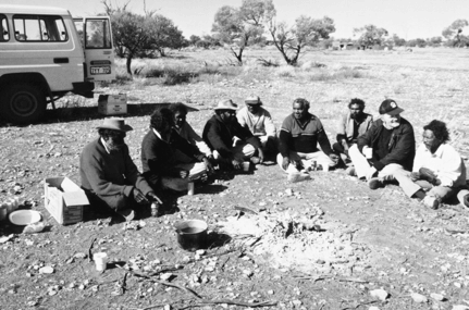 Discussing spirit dream journeys north of Wiluna